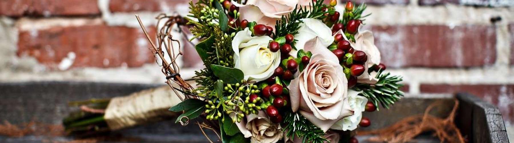 bouquet-per-matrimonio-in-inverno-con-fiori-misti
